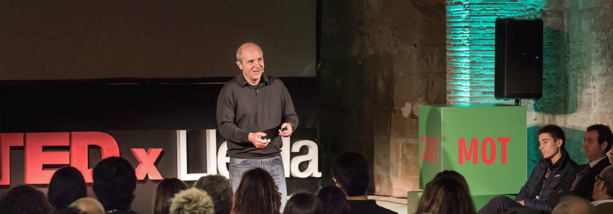 Have you discovered your superpowers? TEDxLleida with William Recolons